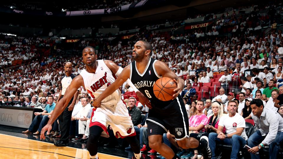 Brooklyn Nets re-sign Alan Anderson