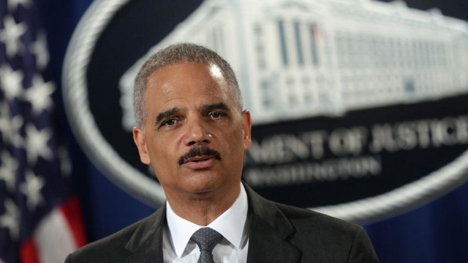 Eric Holder: Redskins name 'offensive,' should be changed