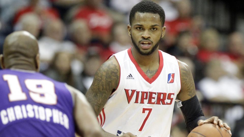 Report: Houston Rockets re-sign Troy Daniels