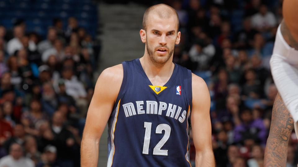 Report: Grizzlies to keep Nick Calathes