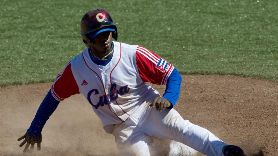 Report: Cuban outfielder Rusney Castillo to have showcase on July 26