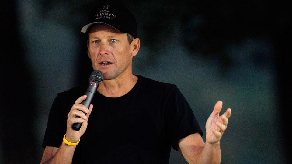 Lance Armstrong meets with investigators about doping