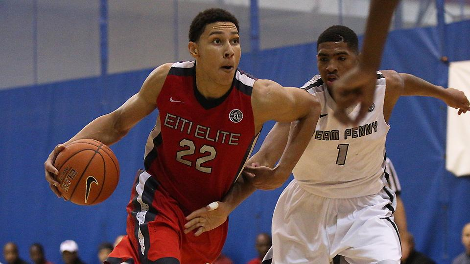 Ben Simmons solidified his spot in the top five of the 2015 recruiting class thanks to an impressive AAU summer.