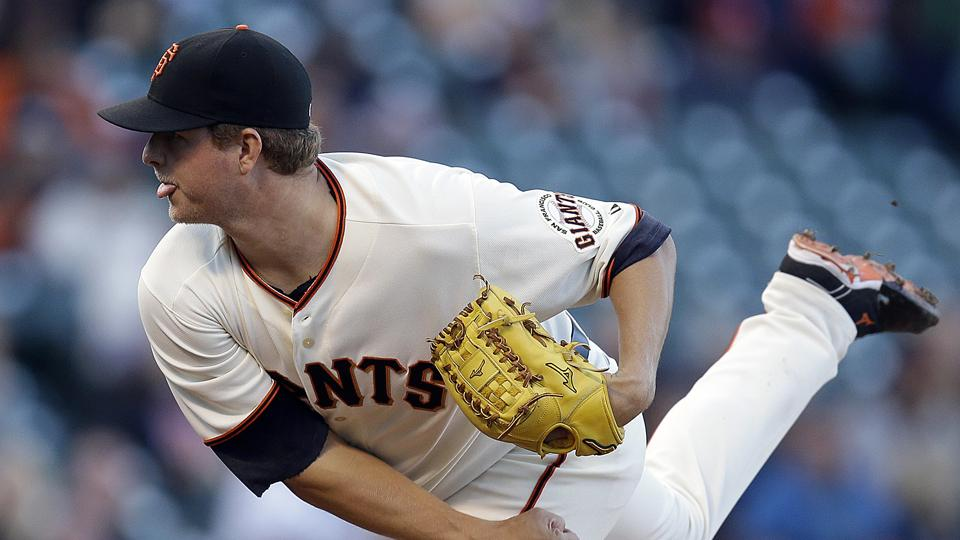 Giants place pitcher Matt Cain on DL with elbow inflammation