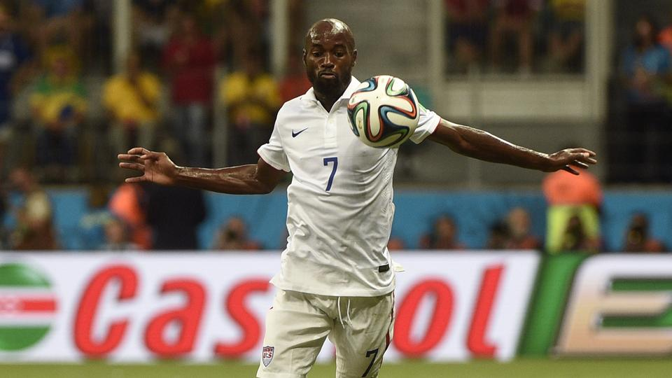 U.S. national team left back DaMarcus Beasley has returned to MLS as a member of the Houston Dynamo.