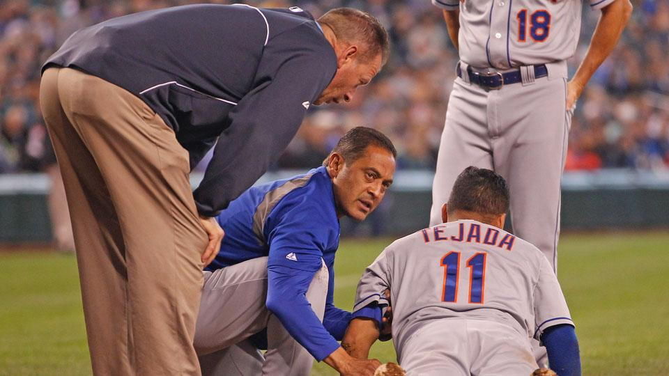 Ruben Tejada exits game after being hit in the head with a pitch