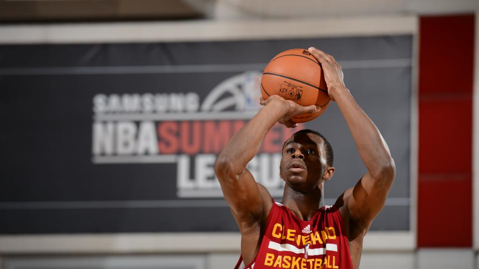 Cleveland Cavaliers sign Andrew Wiggins, can't trade him for 30 days