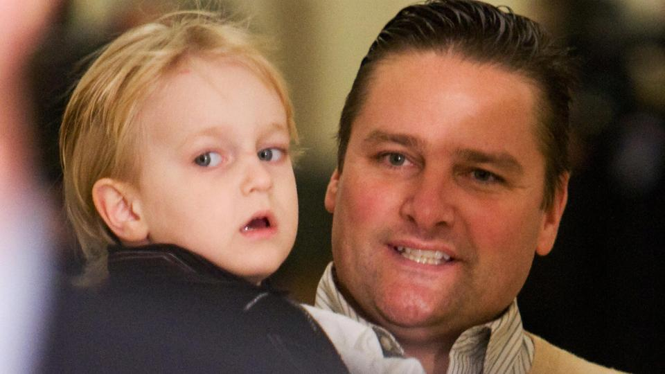 Former major leaguer Chuck Knoblauch accused of assaulting wife