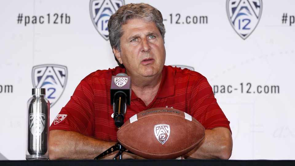 The Andy Staples Podcast: Mike Leach talks movies, football and more