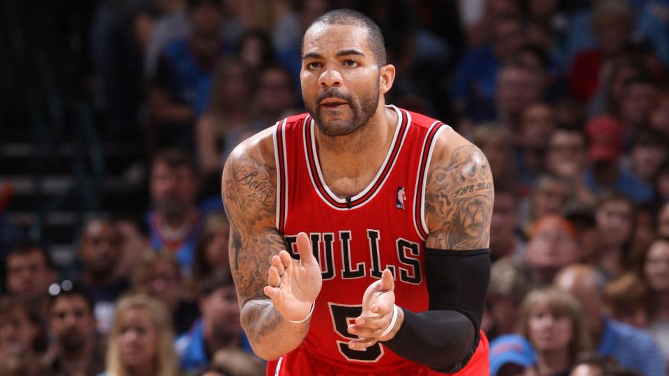 Carlos Boozer says he expects to start for the Lakers
