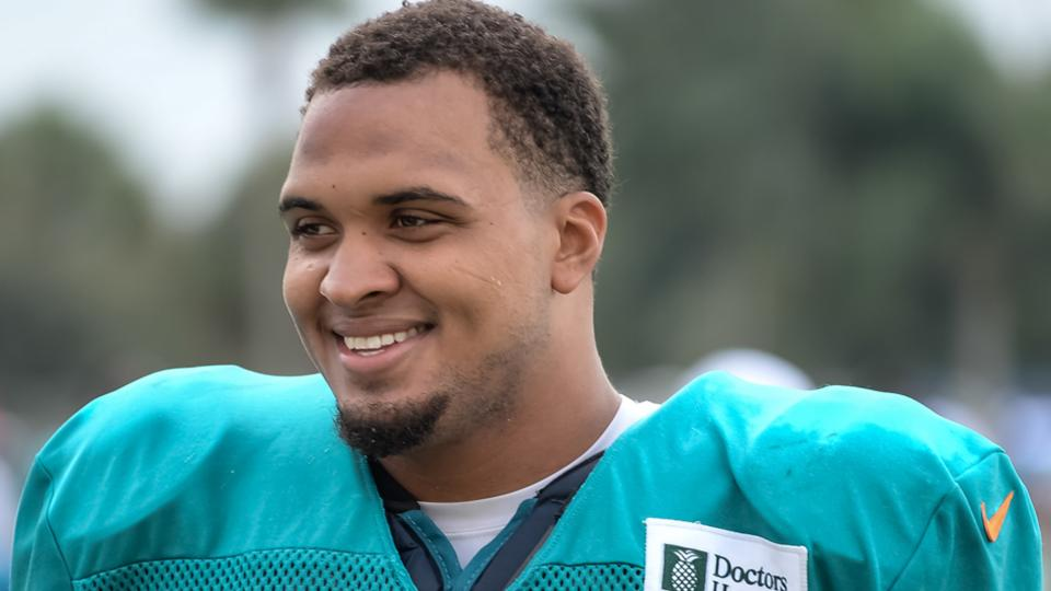 Report: Dolphins considering not putting Mike Pouncey on PUP list