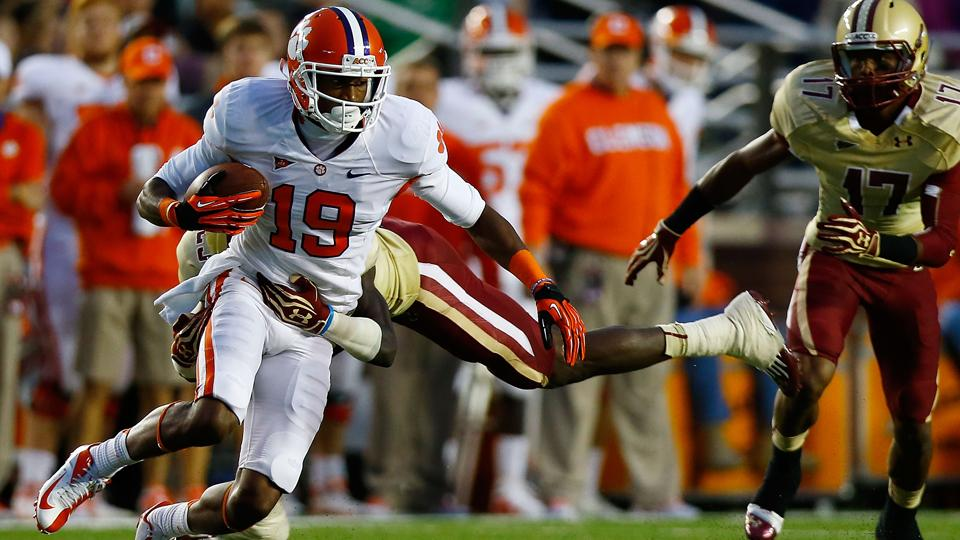 Clemson receiver Charone Peake suffers knee injury during workout
