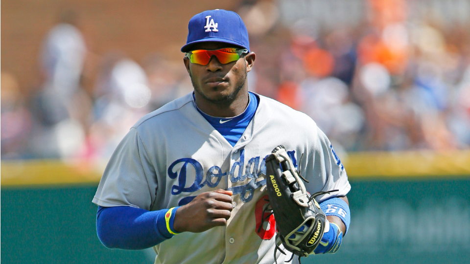 Dodgers start Yasiel Puig in center field for first time this season