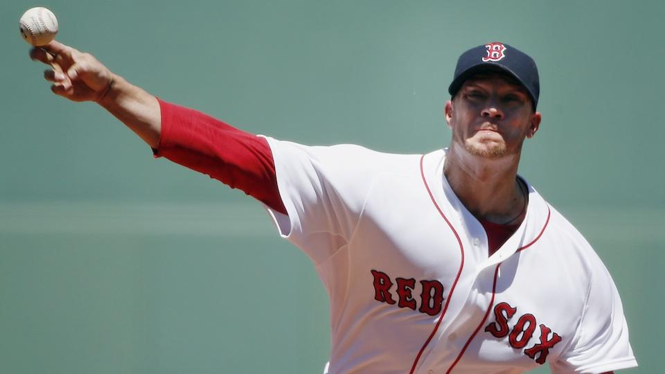 Report: Red Sox trade Jake Peavy to Giants