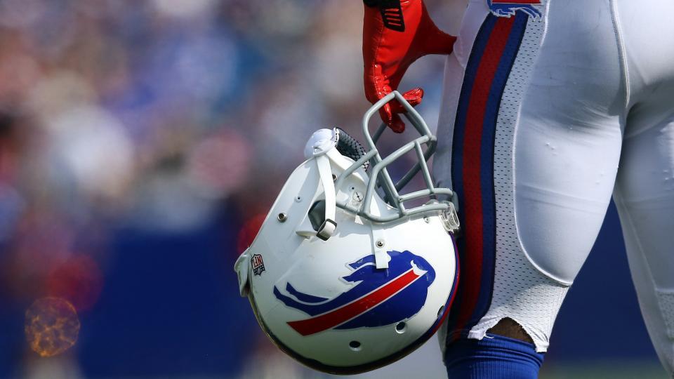 Avert your eyes: Bills fan gets '15 Super Bowl champs tattoo