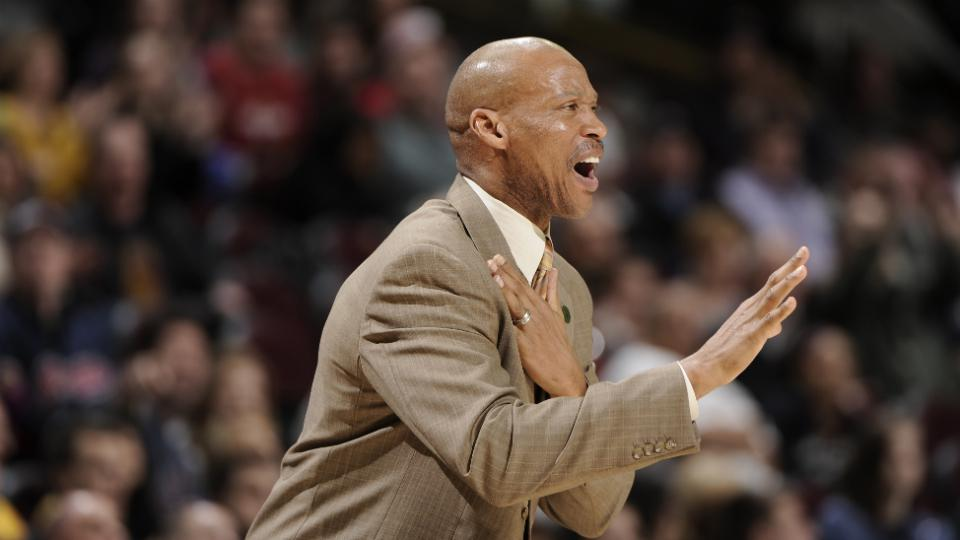 Byron Scott: Lakers 'better be ready to play some defense'