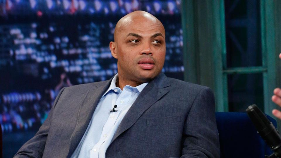 Report: Charles Barkley offers to pay for funeral of carjacking victims