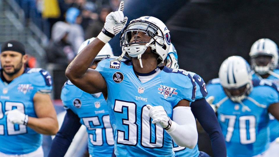 Cornerback Jason McCourty (30) leads a Titans defense that finished 2014 ranked first in fantasy football against wide receivers.