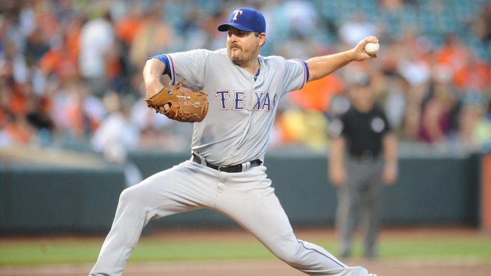 Royals' Joe Saunders opts out of minor league deal after only four starts