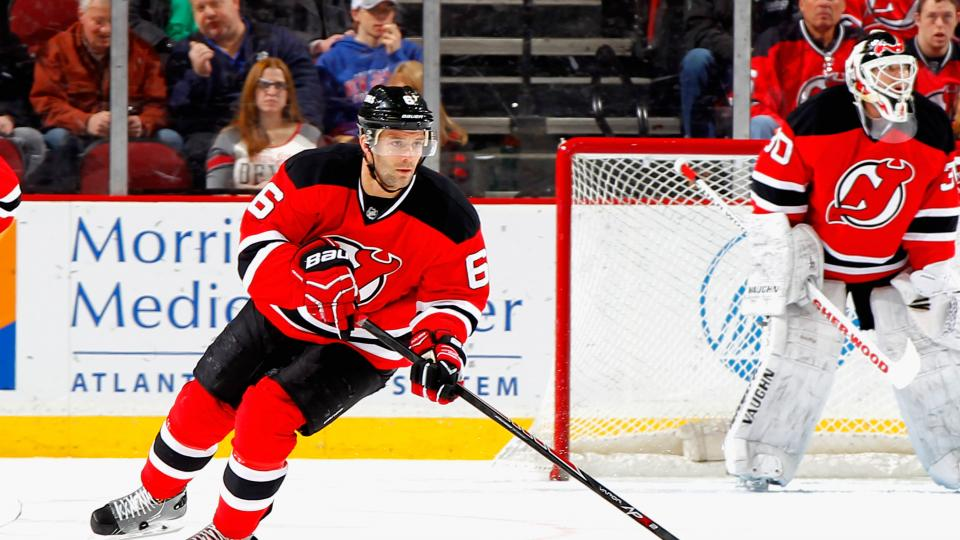 New Jersey Devils sign defenseman Andy Greene to five-year extension