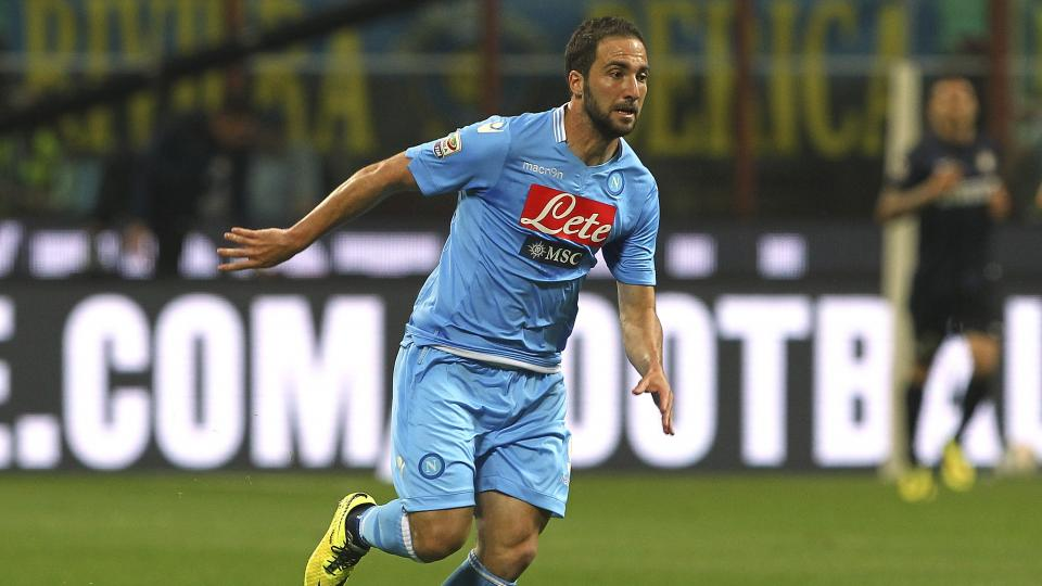 Gonzalo Higuain of SSC Napoli in action during the Serie A match between FC Internazionale Milano and SSC Napoli on April 26, 2014 in Milan, Italy.