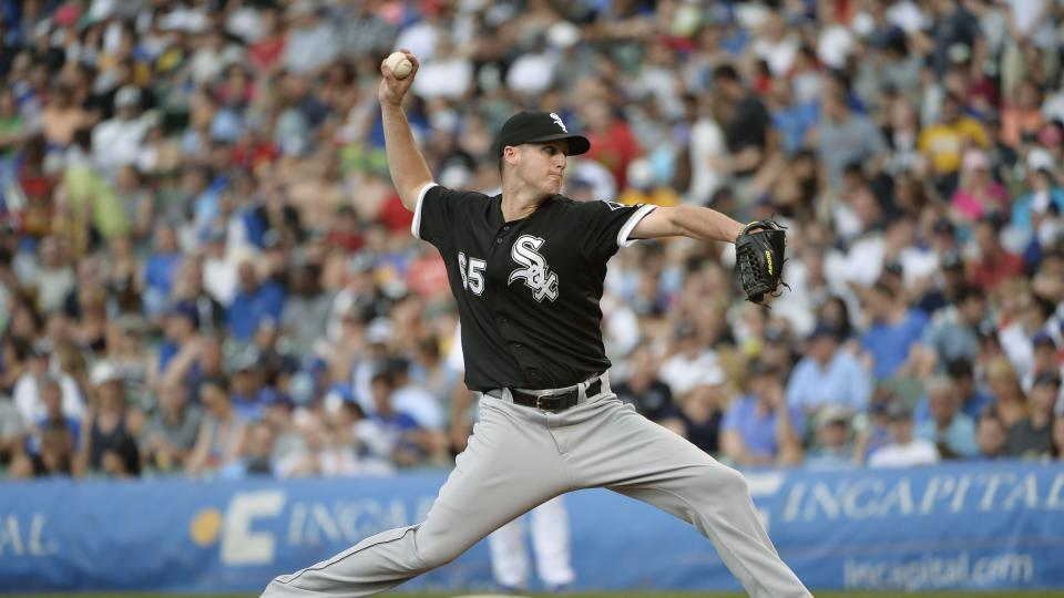 Report: White Sox pitcher Nate Jones out 12-15 months after elbow surgery
