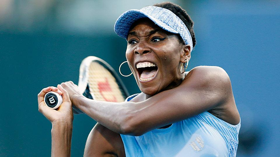 Venus Williams made quick work of Paula Kania at the Bank of the West Classic, downing the Pole 6-3, 6-2.