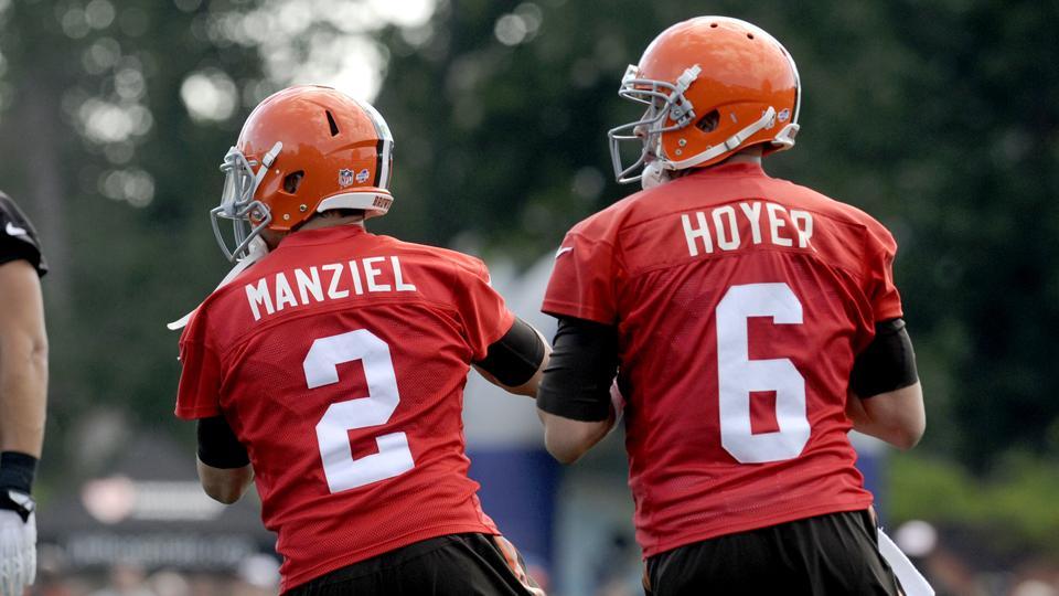 Browns OC Shanahan: Johnny Manziel, Brian Hoyer even in QB battle