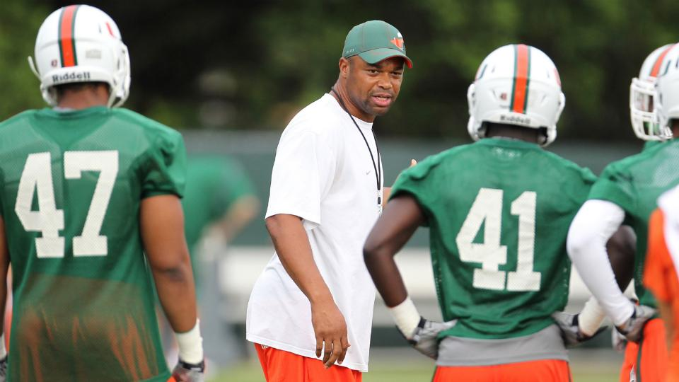 Miami assistant Micheal Barrow taking sabbatical from coaching
