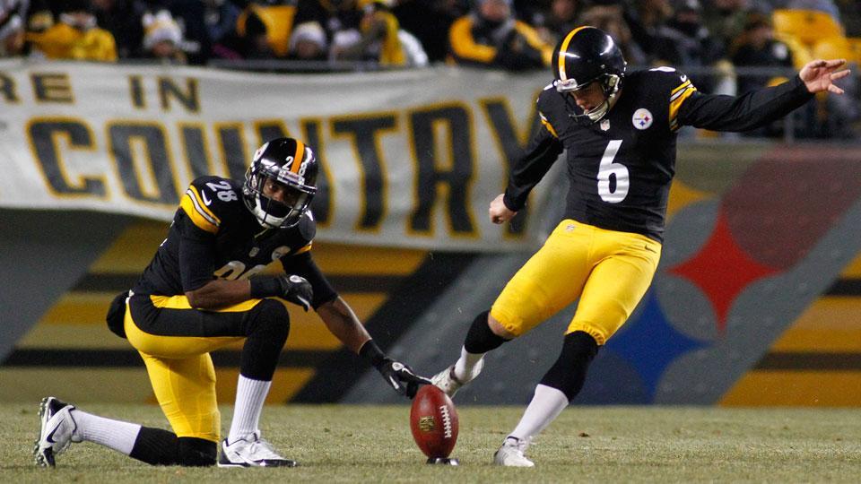 Steelers sign kicker Shaun Suisham to four-year extension