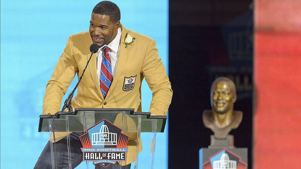 Strahan delivers laughs, Reed packs emotion at Hall of Fame ceremony