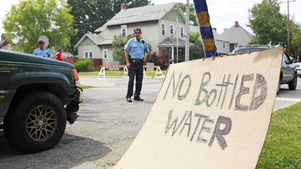 Bowling Green helps out Toledo during water ban