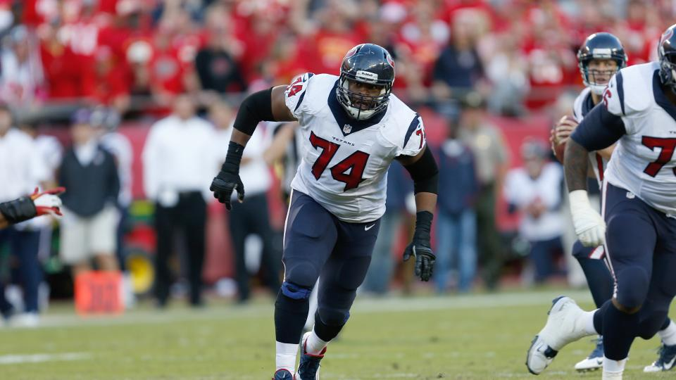 Seattle Seahawks sign former Pro Bowl guard Wade Smith