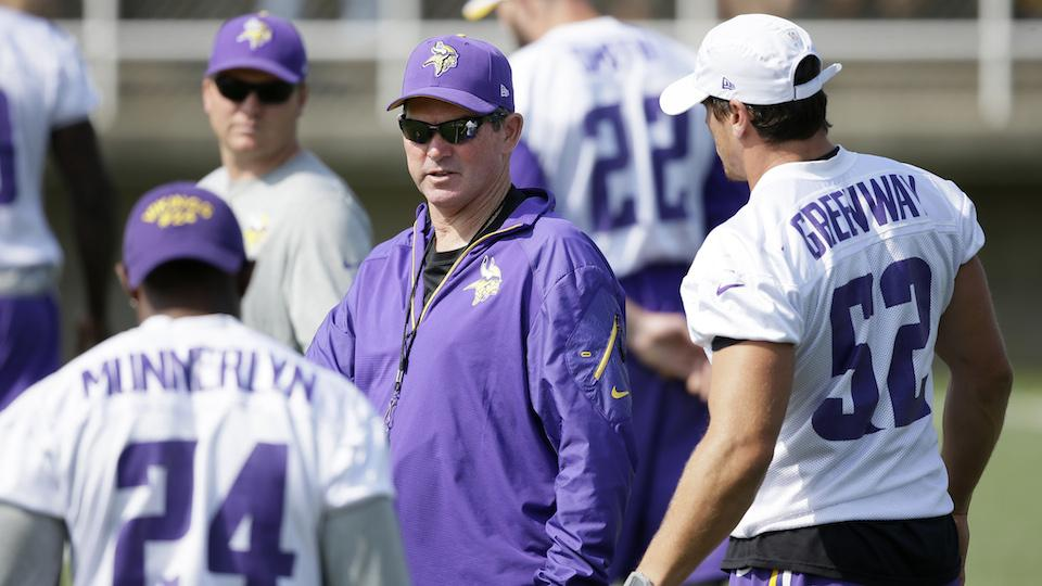 Vikings coach Mike Zimmer institutes pushup penalty