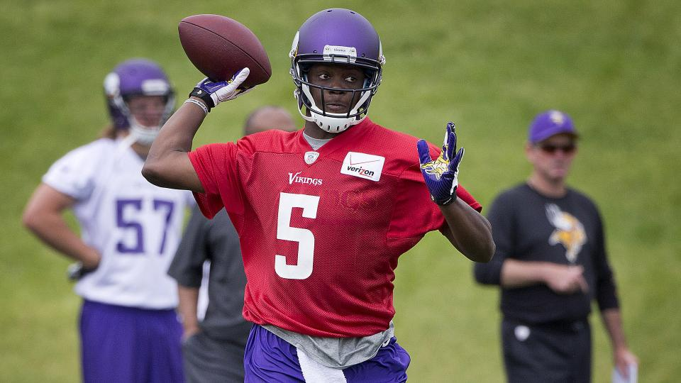 Minnesota Target stores forced to pull Teddy Bridgewater shirts with typo
