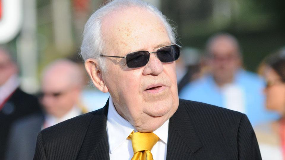Saints owner Tom Benson sent to hospital to receive oxygen