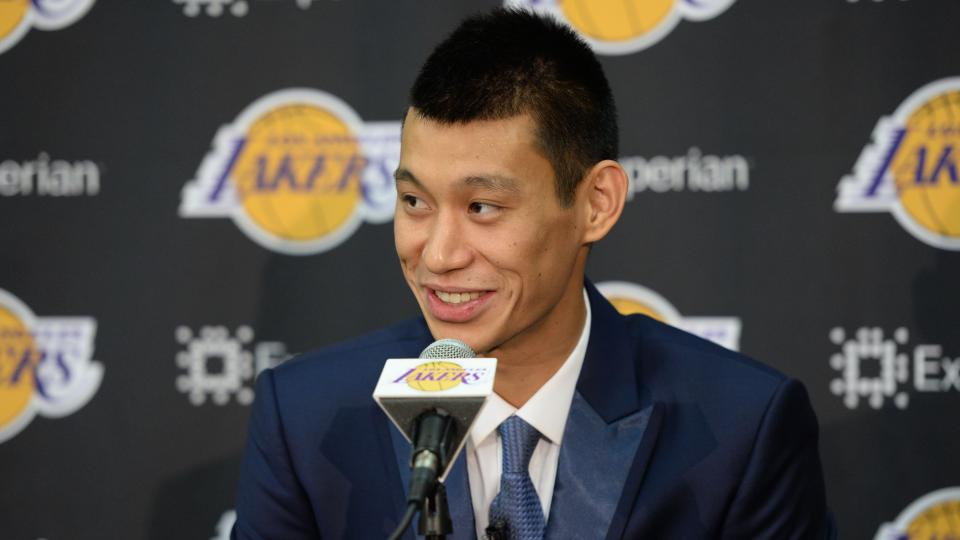 Jeremy Lin dunks on his mom and other unsuspecting victims