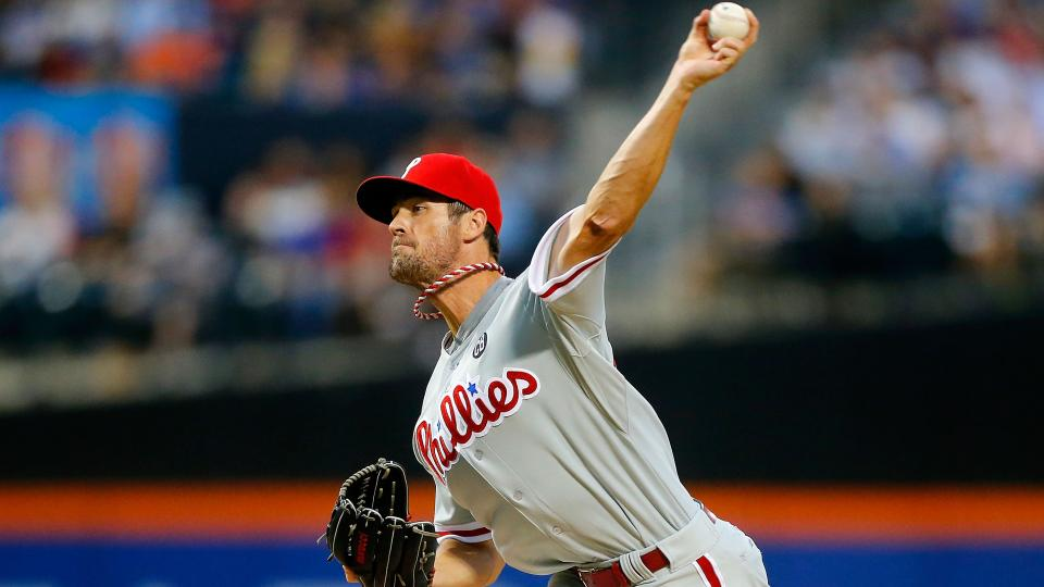 Report: Unidentified team claims Cole Hamels off waivers
