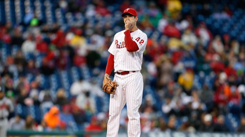 Report: Phillies pitcher Cliff Lee won't need surgery on injured elbow