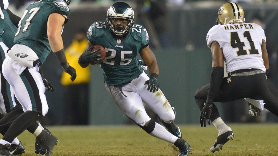 Eagles' LeSean McCoy aiming for 2,000 rushing yards in 2014