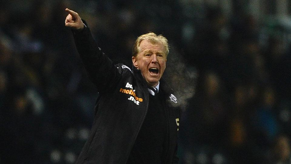 Steve McClaren signs three-year extension with Derby County