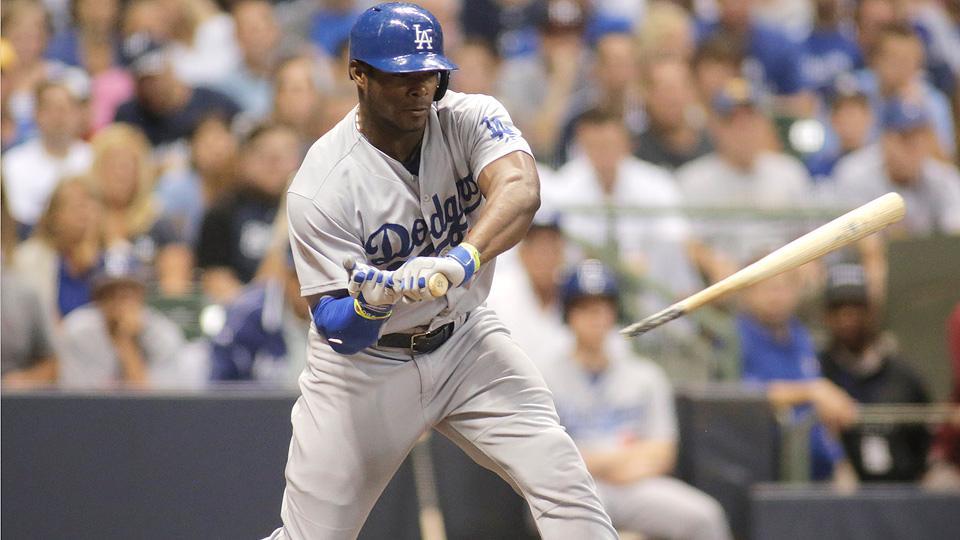 Dodgers' Yasiel Puig breaks bat on check swing against Brewers