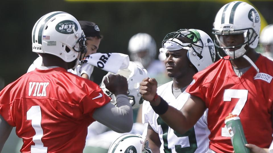 Jets QB Geno Smith: Team should use Wildcat with Michael Vick
