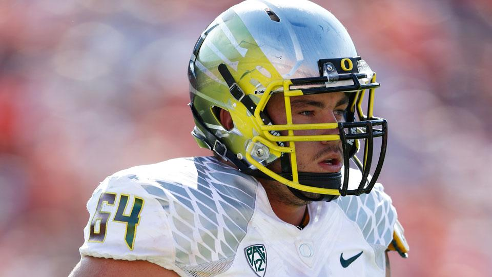 Report: Oregon's Tyler Johnstone re-tears ACL, out for season