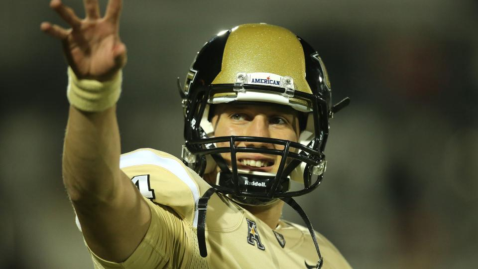 UCF names Pete DiNovo as replacement for Blake Bortles at QB