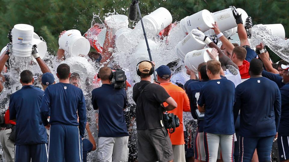 Here's (nearly) everyone in sports who participated in the Ice Bucket Challenge