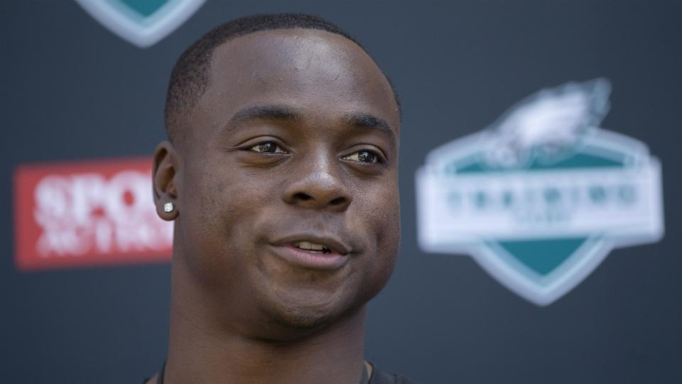Eagles receiver Jeremy Maclin leaves practice early after injuring hamstring
