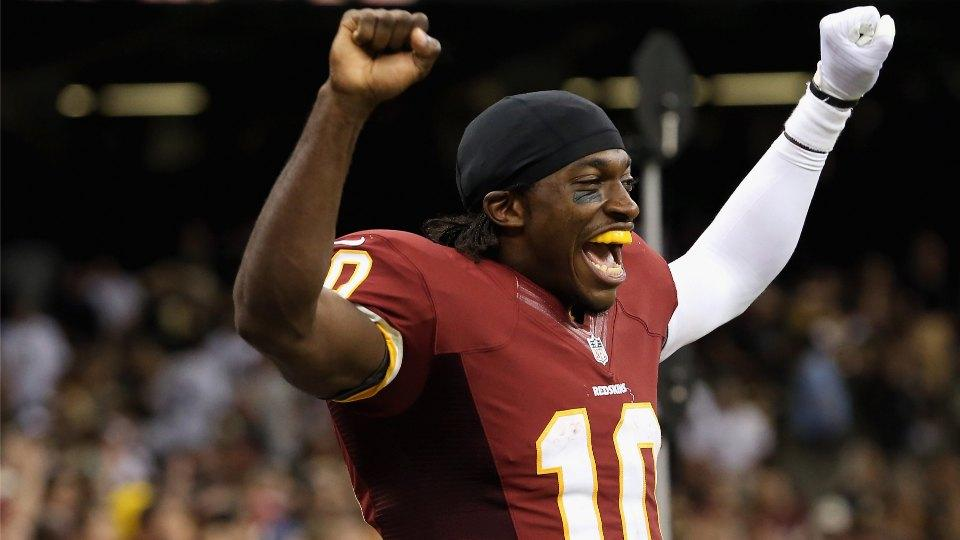 Redskins fan sings song about Robert Griffin III to RGIII at training camp