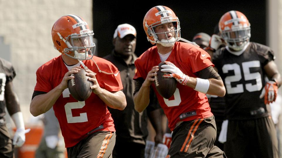 Brian Hoyer wins Browns quarterback competition over Johnny Manziel