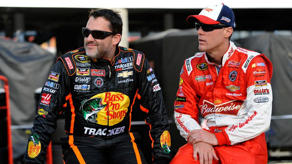 Kevin Harvick defends Tony Stewart, says he's 'a great person'